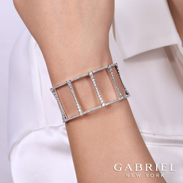 18K White Gold Fashion Bangle