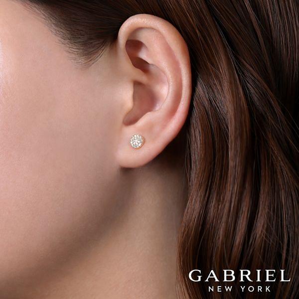 14K Rose Gold Diamond Earring angle