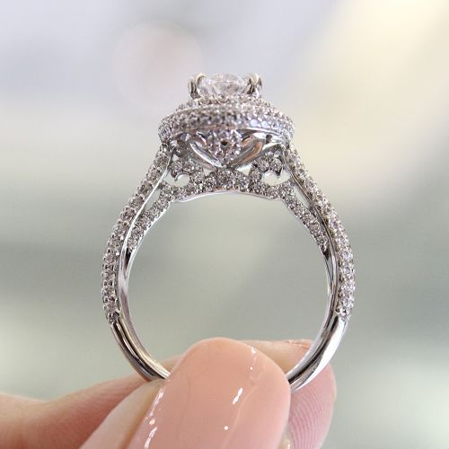 18K White Gold Oval Diamond Engagement Ring angle