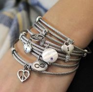 925 Silver/Stainless Steel Heart Shaped Charm Bangle angle