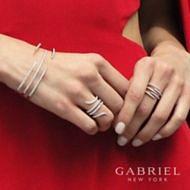 18K White Gold Diamond Bangle angle