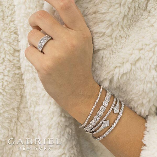 14k White Gold Lusso Fashion Ladies Ring angle