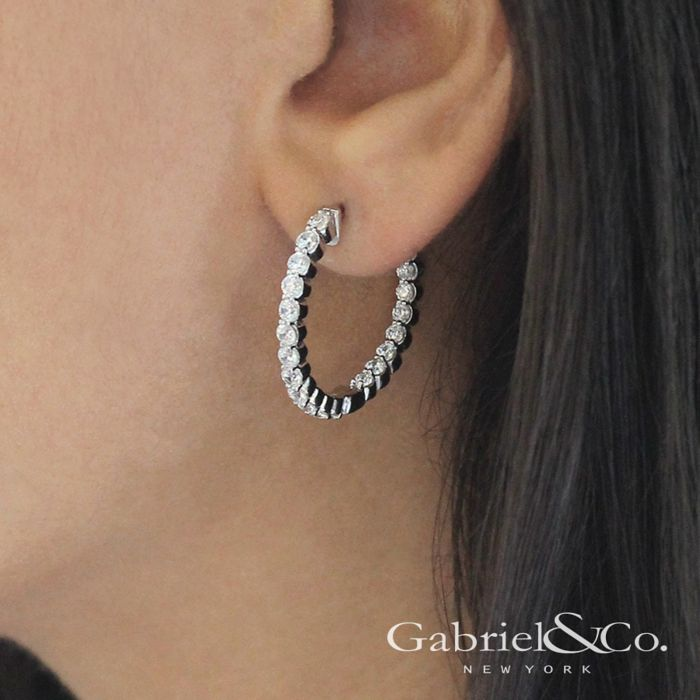 14K White Gold Prong Set 20mm Round Inside Out Diamond Hoop Earrings angle