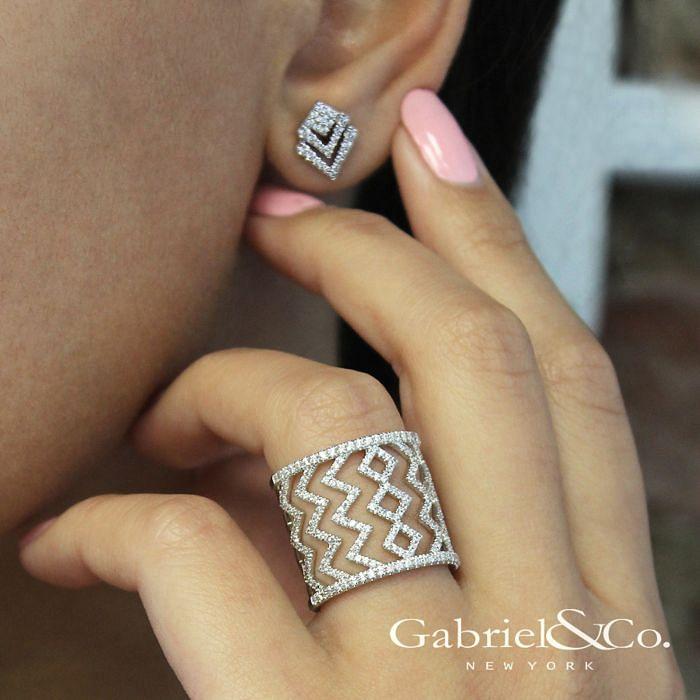 14k White Gold Geometric Cutout Diamond Stud Earrings angle