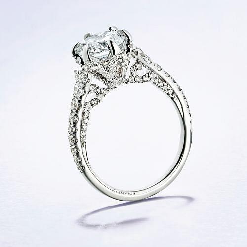 18K White Gold Round Diamond Engagement Ring angle