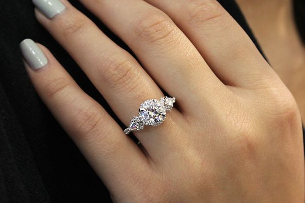 18k White And Rose Gold Round Halo Engagement Ring angle