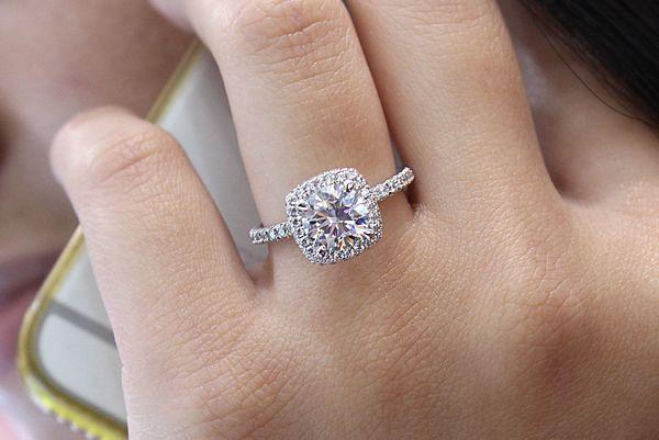 Mary 18k White Gold Round Double Halo Engagement Ring angle