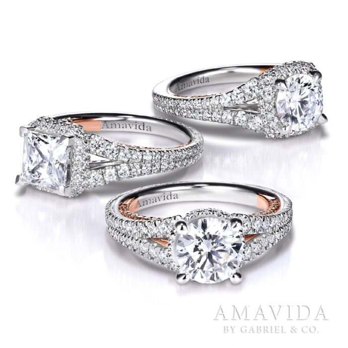 18K White-Rose Gold Round Halo Diamond Engagement Ring angle