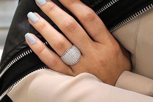 18K White Gold Wide Multi Spike Diamond Ring angle
