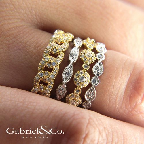 14K White Gold Scalloped Engraved Diamond Stackable Ring