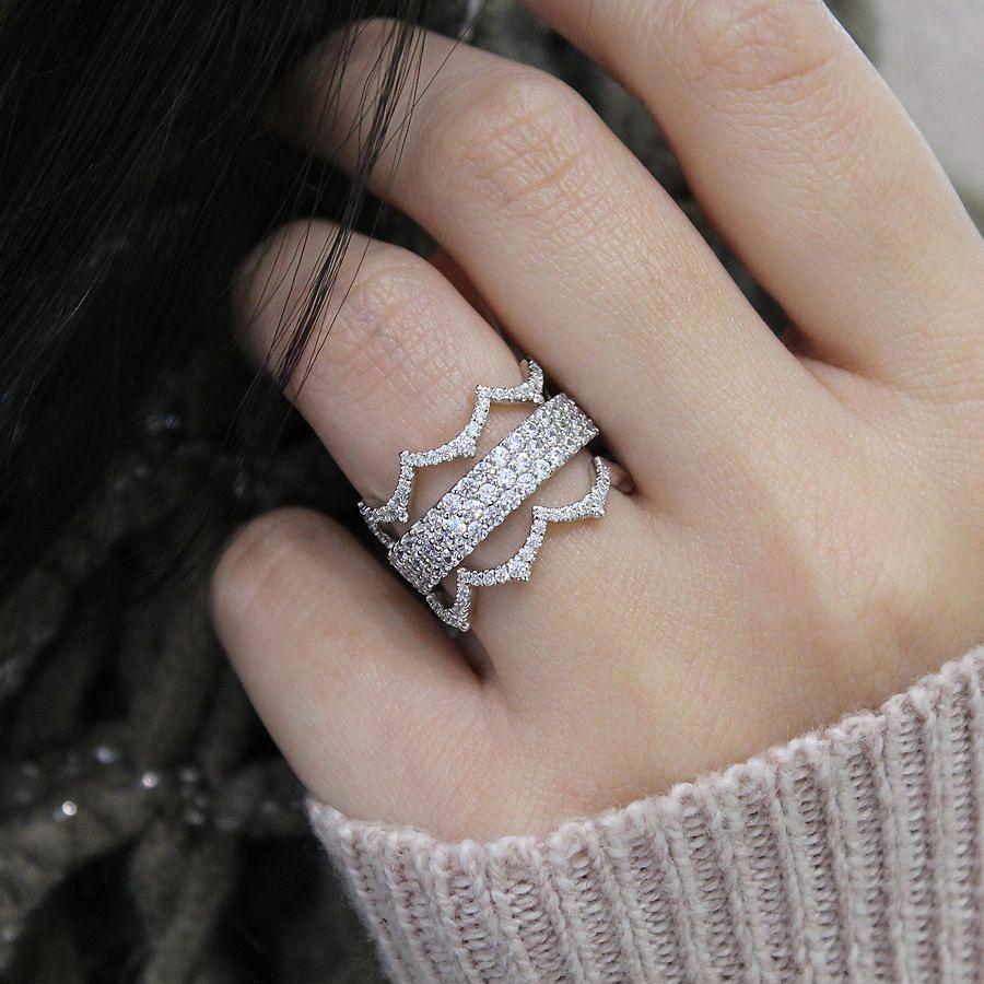 14K White Gold Scalloped Diamond Ring angle