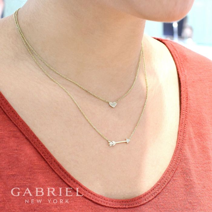 14K Yellow Gold Diamond Arrow Necklace angle