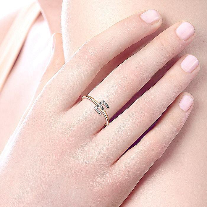 14K Rose Gold Pavé Diamond Uppercase E Initial Ring