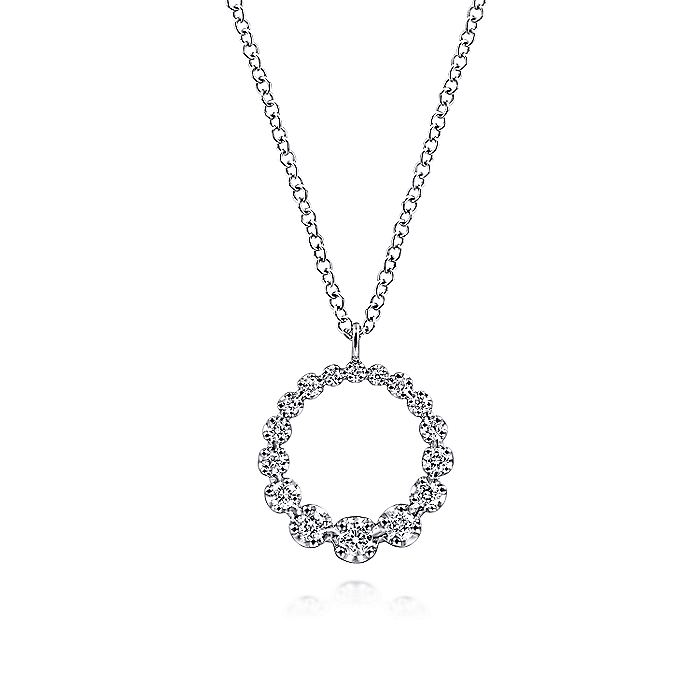 14K White Gold Diamond Circle Pendant Necklace