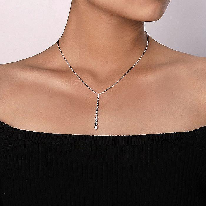 14K White Gold Diamond Station Bar Pendant Necklace