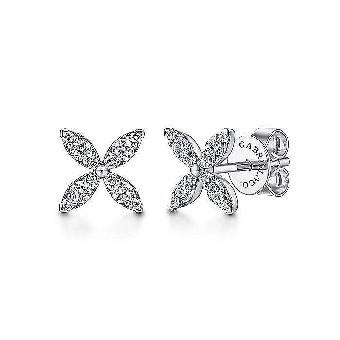 14K White Gold Pavé Diamond Flower Stud Earrings