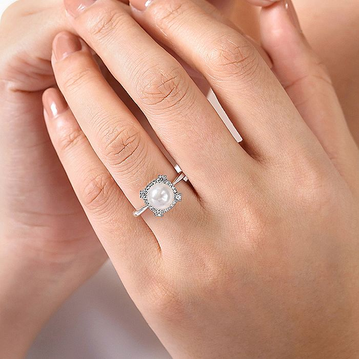 14K White Gold Pearl Ring with Diamond Halo