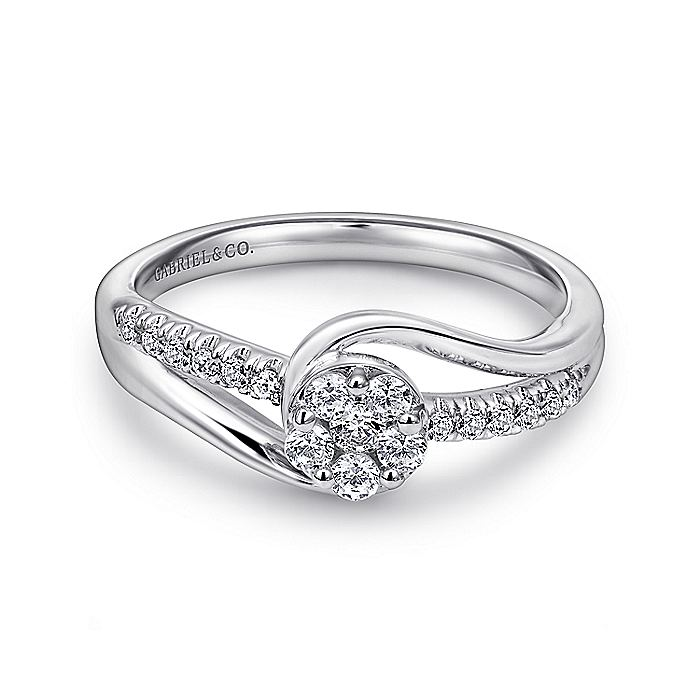 14K White Gold Round Cluster Diamond Engagement Ring