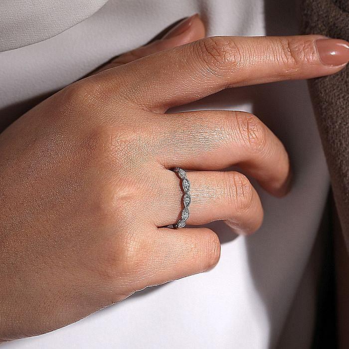 14K White Gold Scalloped Engraved Diamond Stackable Ring