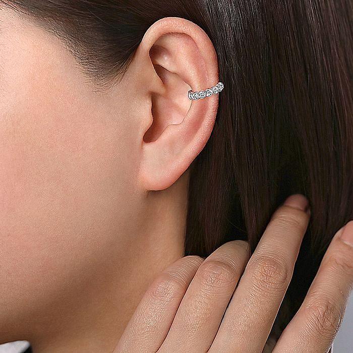 14K White Gold Single Round Bezel Diamond Ear Cuff Earring