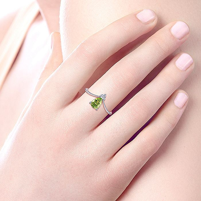 14K White Gold Teardrop Peridot and Diamond Triangle Ring