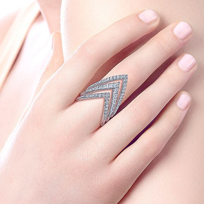 14K White Gold Triple V Diamond Ring