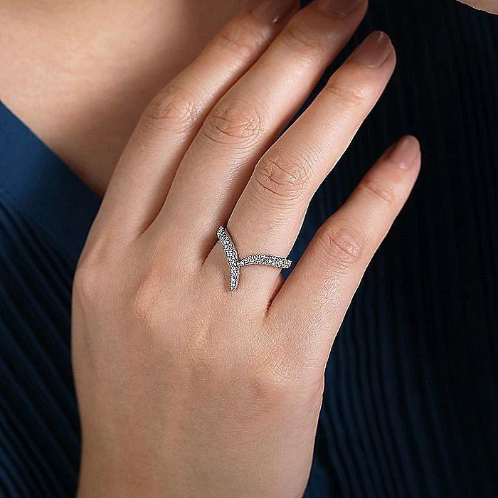 14K White Gold V Shaped Bypass Diamond Ring