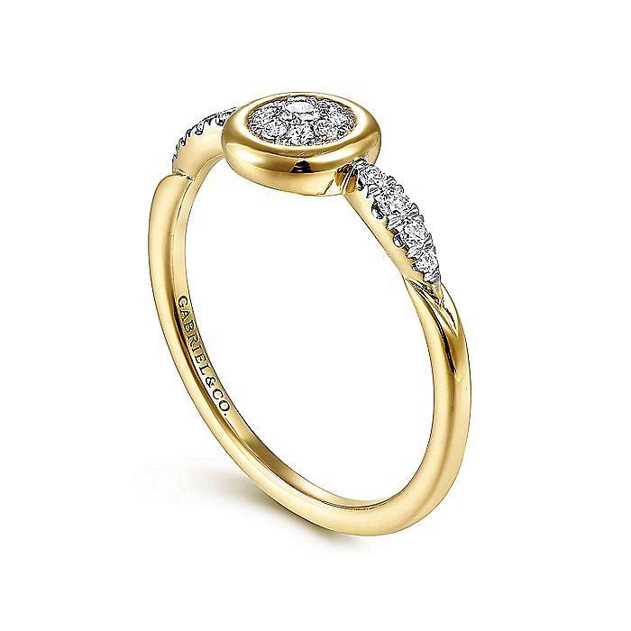 14K Yellow Gold Bezel Set Cluster Diamond Center and Diamond Accent Ring