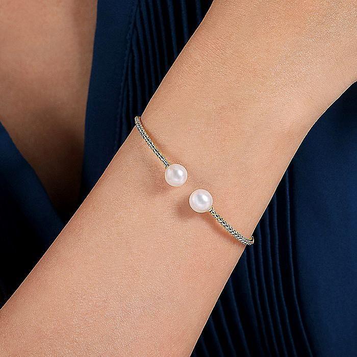 14K Yellow Gold Bujukan Bead Split Cuff Bracelet with Cultured Pearls