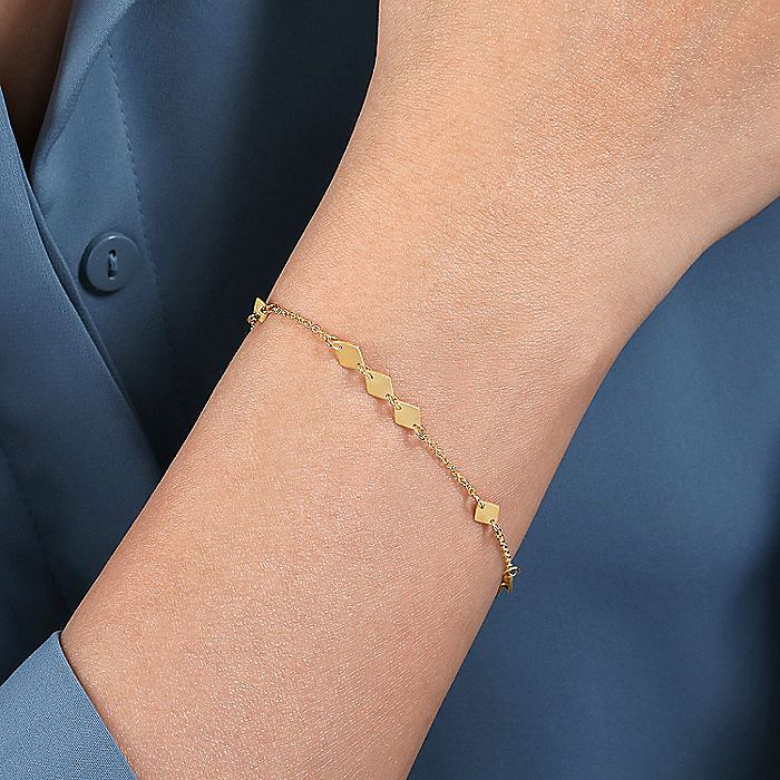 14K Yellow Gold Chain Bracelet with Flat Rhombus Stations