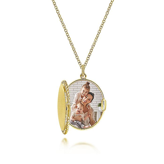 14K Yellow Gold Engravable Oval Locket Necklace with Twisted Rope Frame