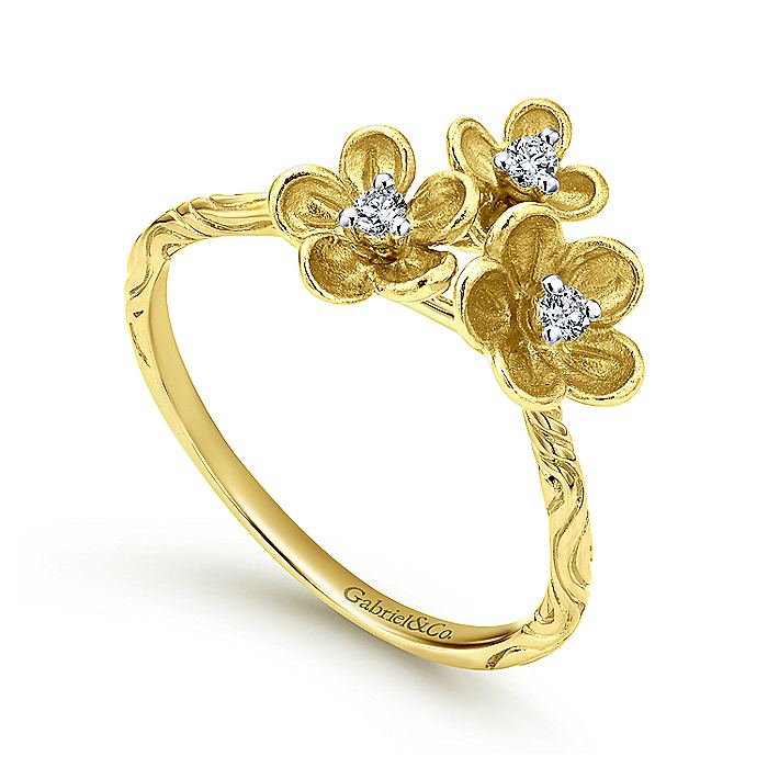 14K Yellow Gold Engraved Floral Diamond Ring