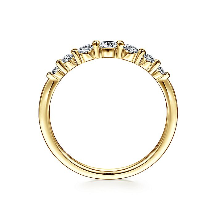 14K Yellow Gold Graduating Single Prong Diamond Band