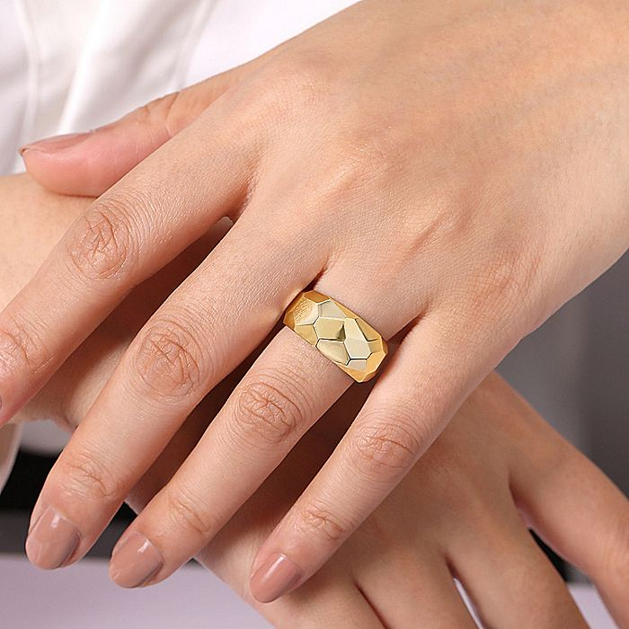 14K Yellow Gold Hammered Puff Ring