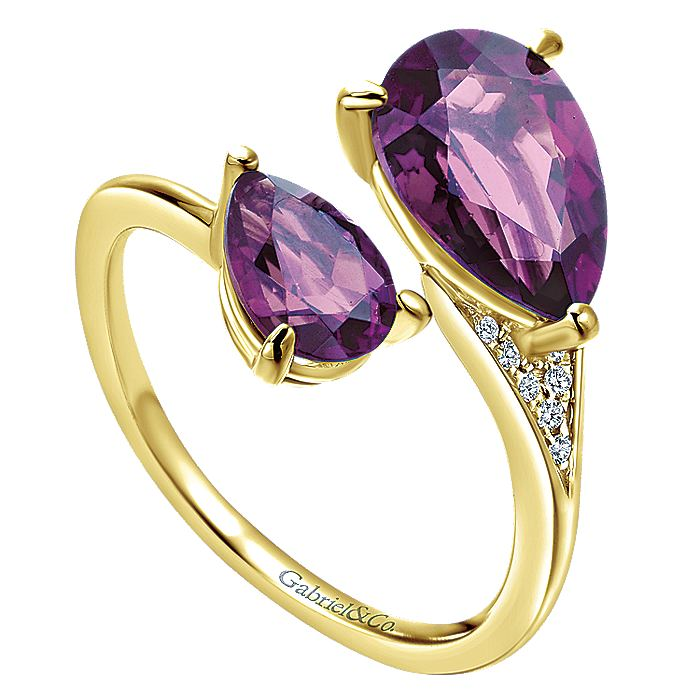 14K Yellow Gold Pear Shape Amethyst Split Ring with Diamond Accents