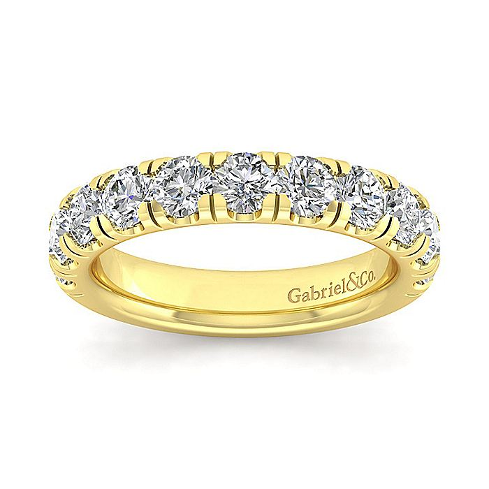 14K Yellow Gold Round 11 Stone Diamond Anniversary Band