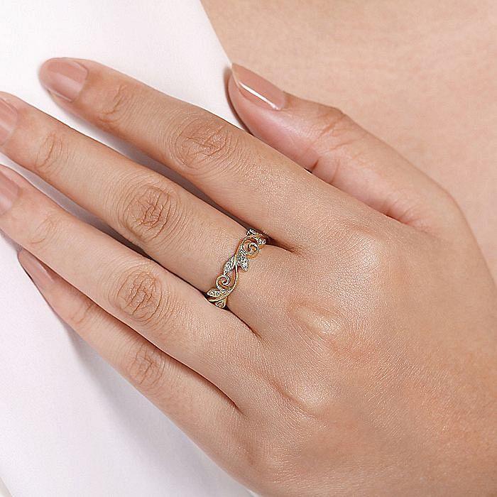 14K Yellow Gold Scrolling Floral Diamond Ring