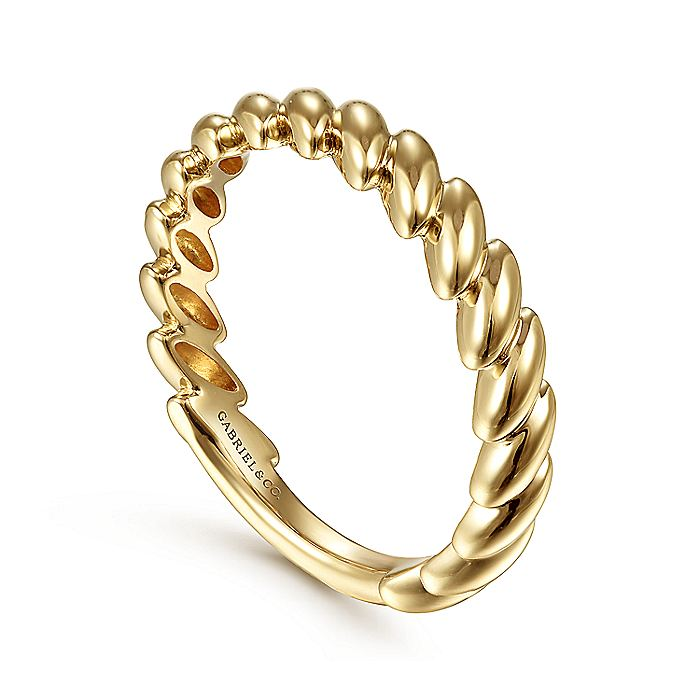 14K Yellow Gold Tilted Leaf Ring