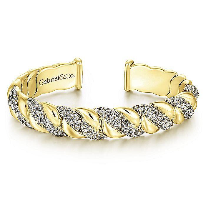 14K Yellow Gold Twisted Link Diamond Pavé Cuff Bracelet