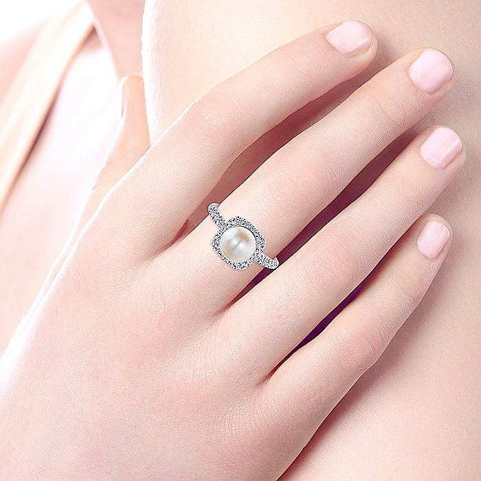 14k White Gold Classic Cultured Pearl Diamond Halo Ladies Ring