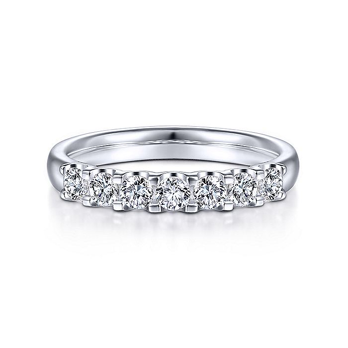 14k White Gold Round 7 Stone Diamond Anniversary Band