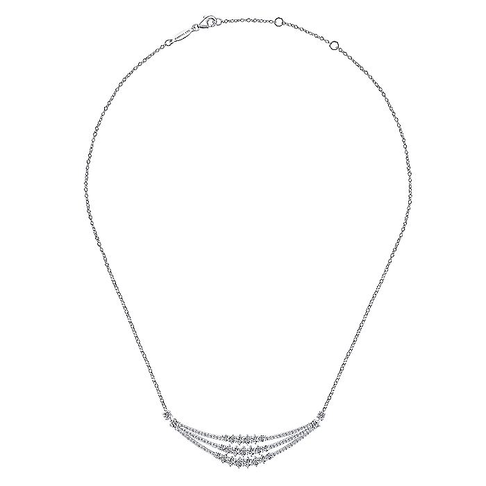 18K White Gold Curved Triple Diamond Bar Necklace