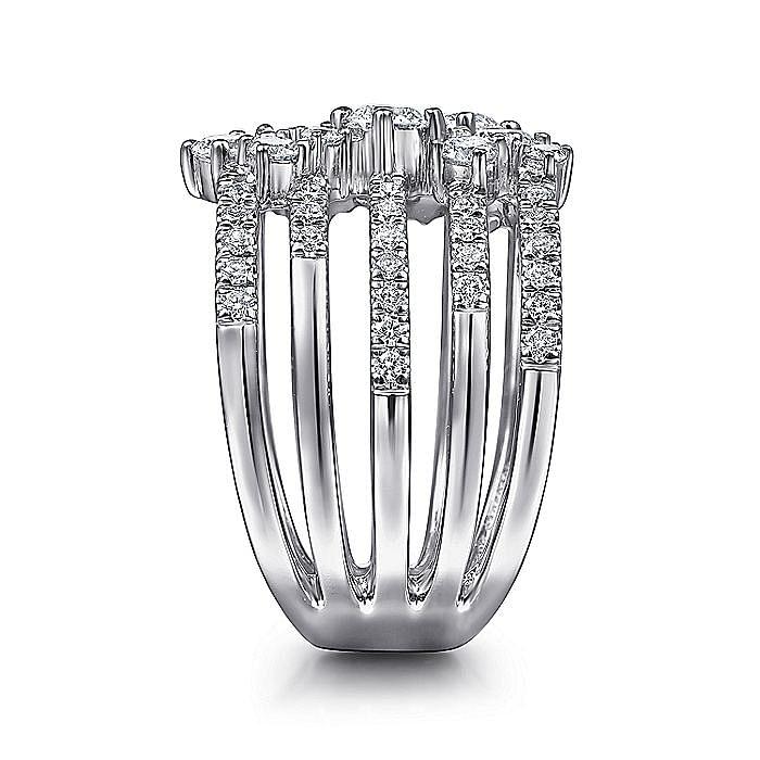 18K White Gold Diamond Ladies Ring