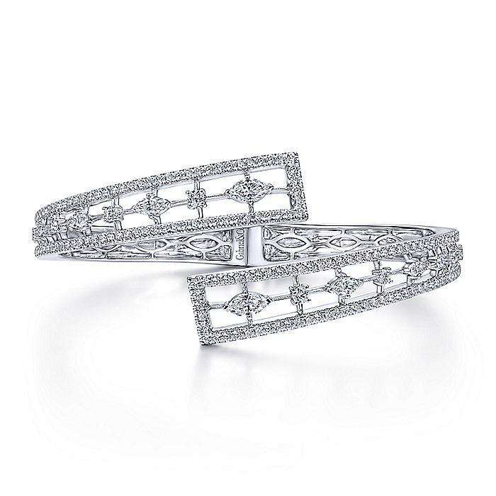 18K White Gold Diamond Pavé Bypass Bangle with Geometric Stations