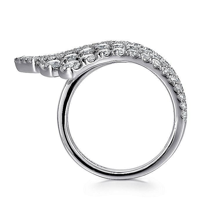 18K White Gold Horizontal Diamond Fan Ring
