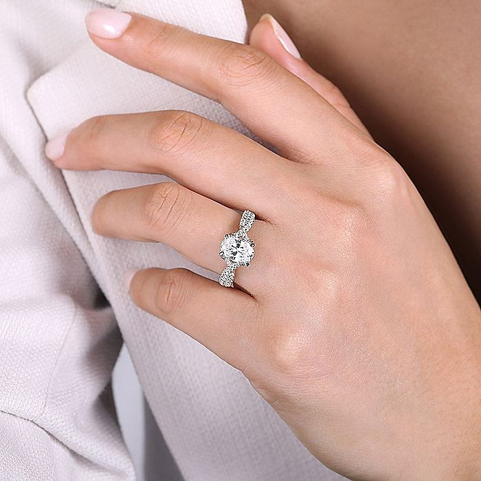 18K White Gold Twisted Oval Diamond Engagement Ring