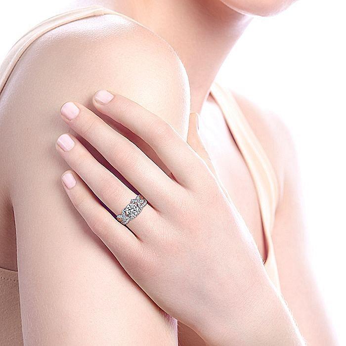 18k White-Rose Gold Round Twisted Diamond Engagement Ring