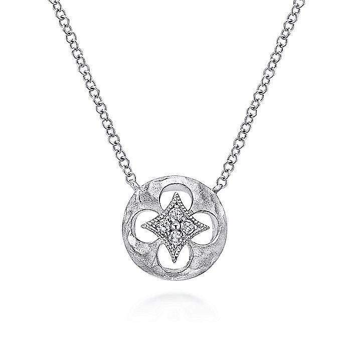 925 Sterling Silver Round Quatrefoil Cutout Pendant Necklace