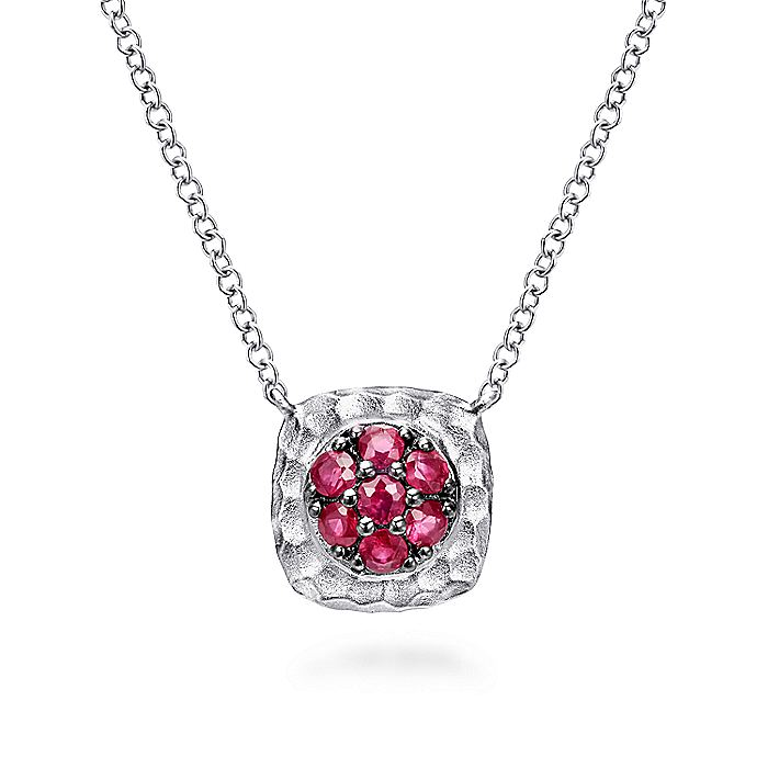 Hammered 925 Sterling Silver Ruby Pavé Pendant Necklace