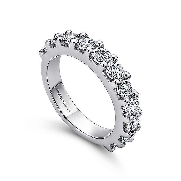 Platinum 11 Stone Shared Prong Diamond Anniversary Band